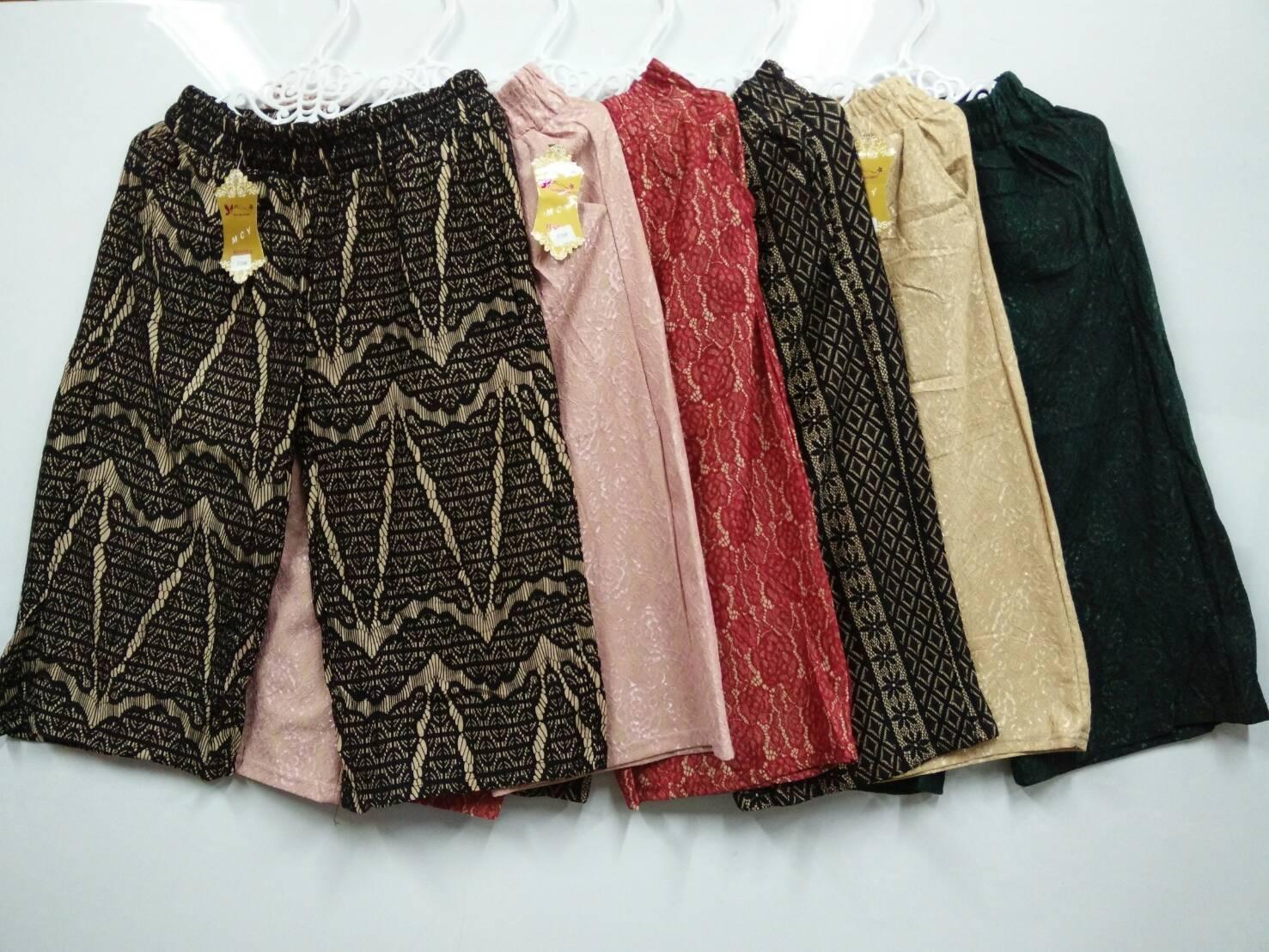 กางเกงผ้าลูกไม้ ราคาส่งตัวละ65บาท