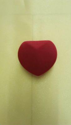 กล่องใส่แหวนรูปหัวใจ